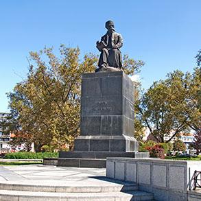 Concierge Belgrade   Monument to Vuk Karadzic
